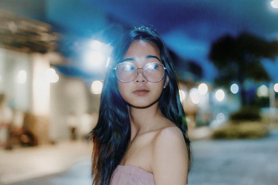 nachtbril girl